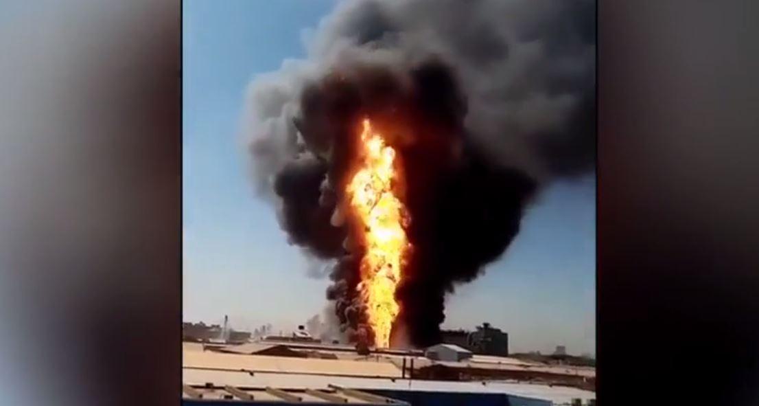 فيديو جديد للحريق الهائل في مصنع بالخرطوم