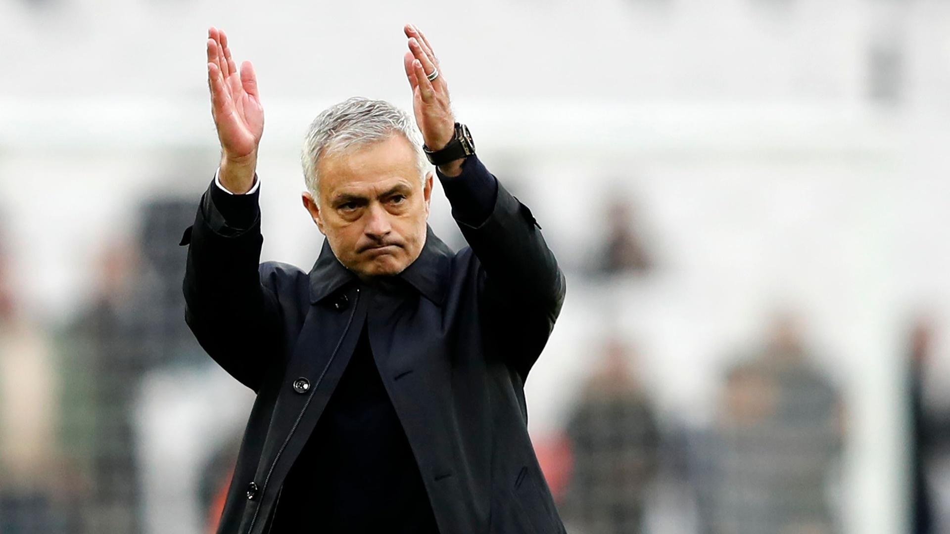 مورينيو يعود إلى معقل مانشستر يونايتد ورسالة عاطفية لجماهير