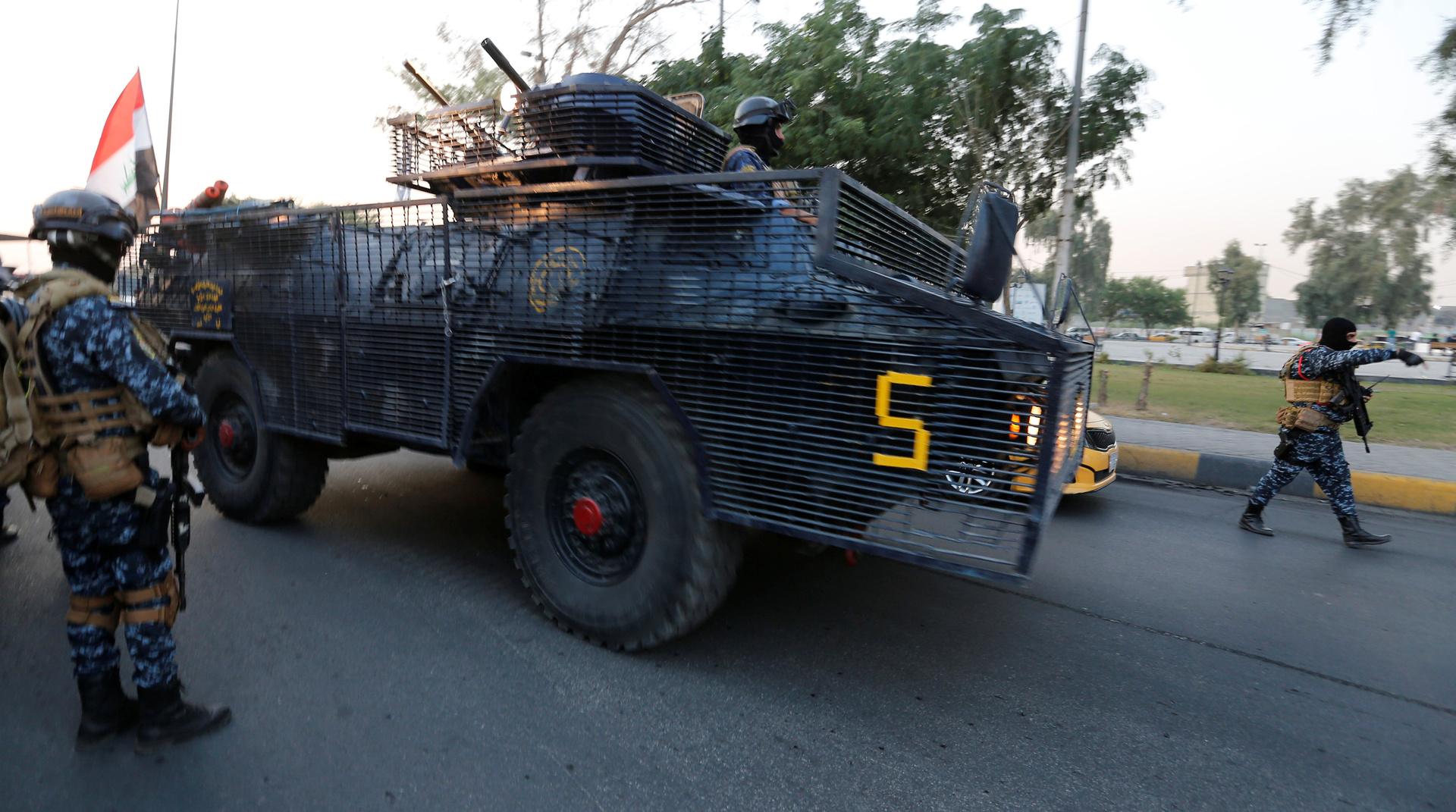 إصابة 9 أمنيين بتفجير قنبلة في شارع الرشيد ببغداد