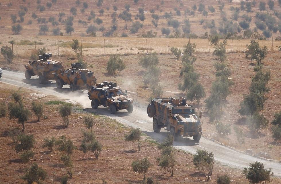 مدرعات عسكرية تركية تتجه إلى الحدود مع سوريا