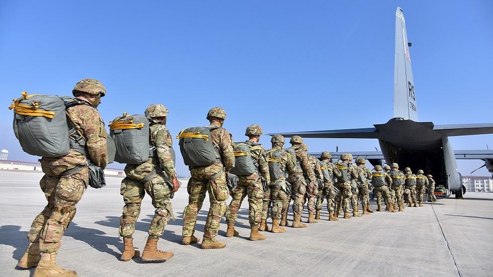 ترامب ينفي تقارير عن إرسال 12 ألف عسكري أمريكي إلى السعودية