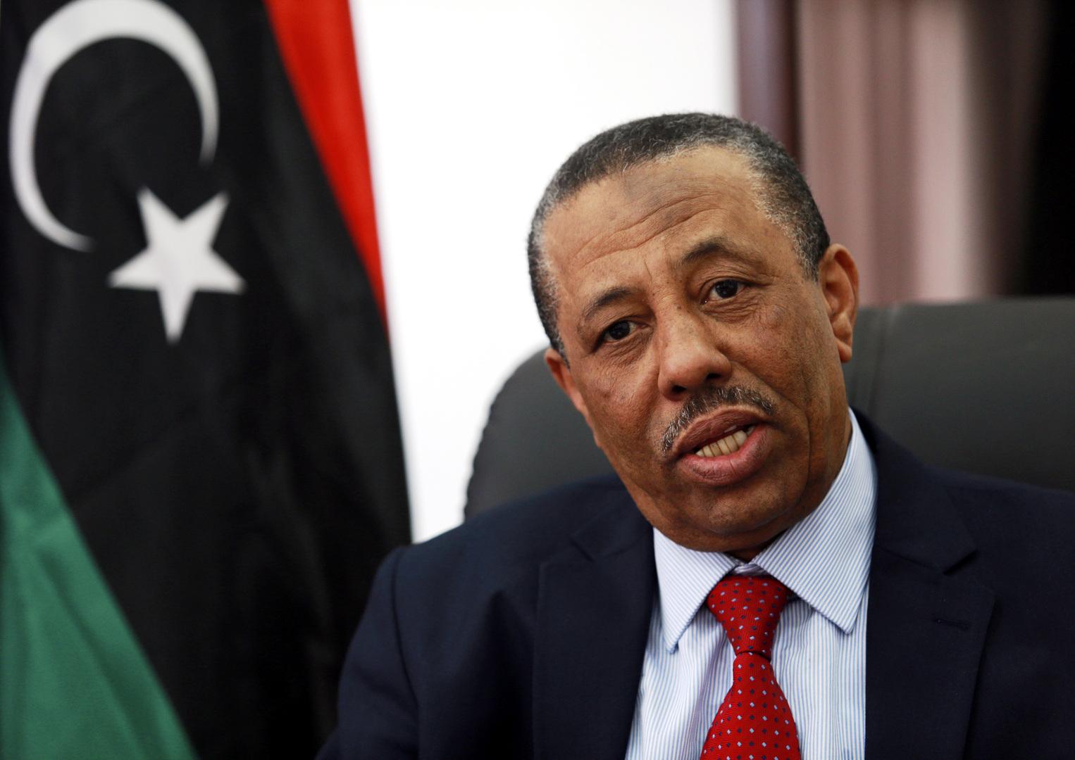 رئيس الحكومة الليبية المؤقتة يحذر من
