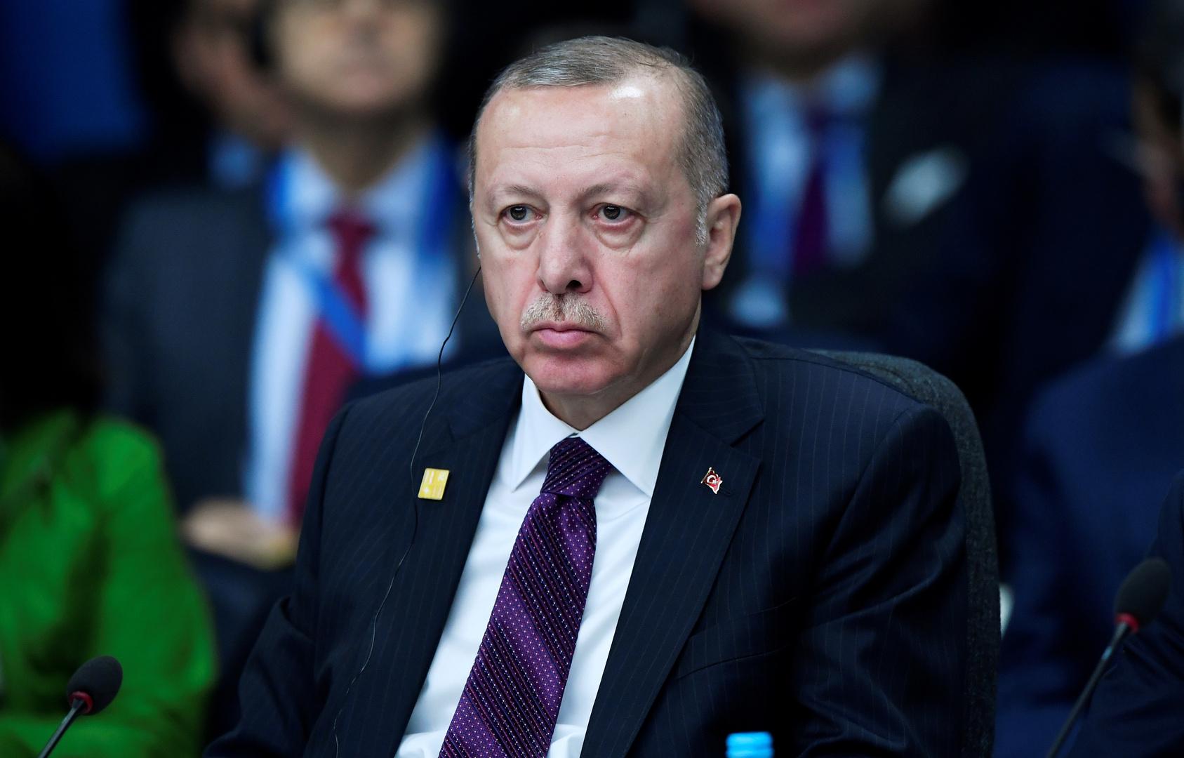 الرئيس التركي رجب طيب أردوغان خلال مشاركته في قمة زعماء دول الناتو بلندن