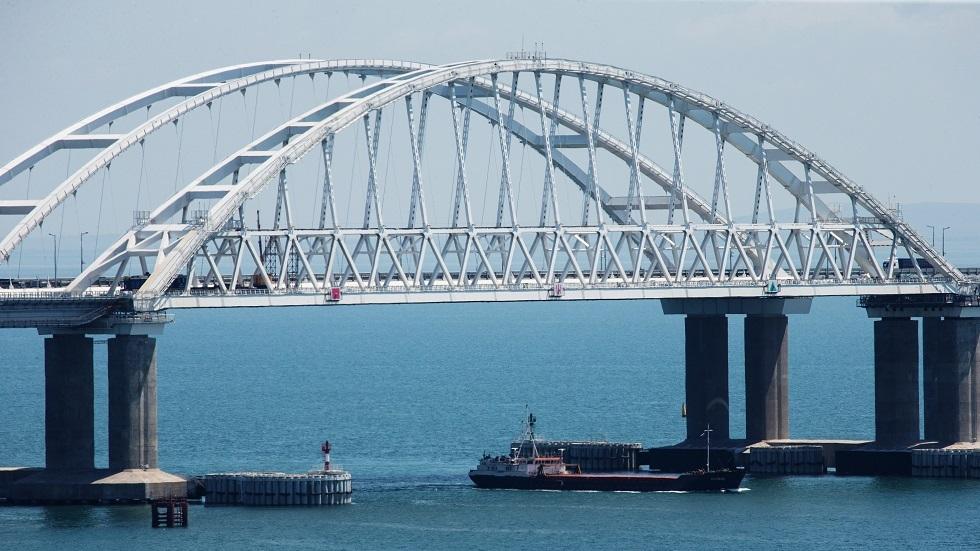 جسر القرم عبر خليج كيرتش، أطول جسر في أوروبا الذي يربط بين روسيا وشبه جزيرة القرم
