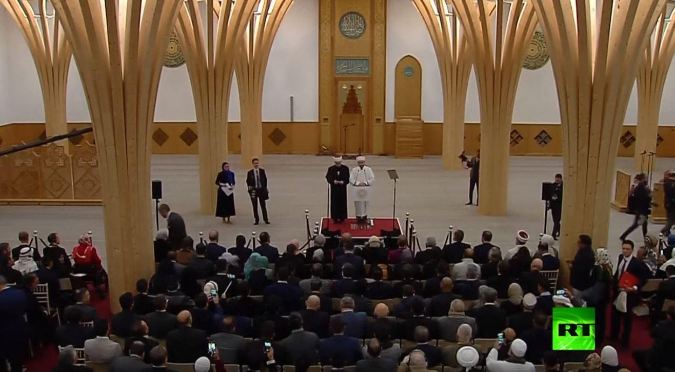 أردوغان يفتتح أول مسجد صديق للبيئة في أوروبا