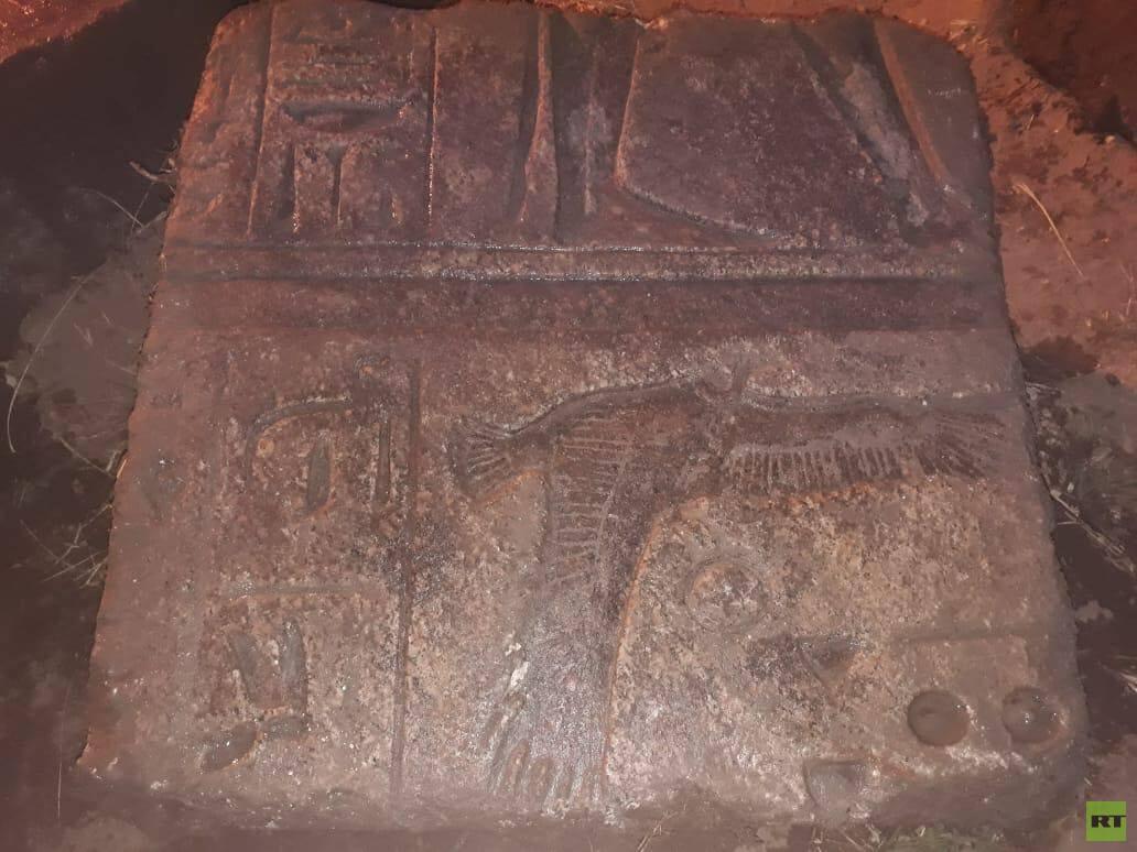 القبض على مواطن مصري يقود لاكتشاف أثري ضخم (صور)