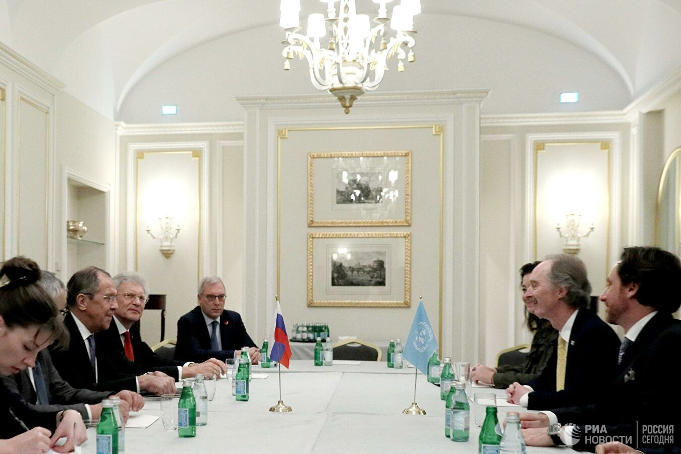 لافروف وبيدرسن يؤكدان دعمهما لجهود اللجنة الدستورية السورية