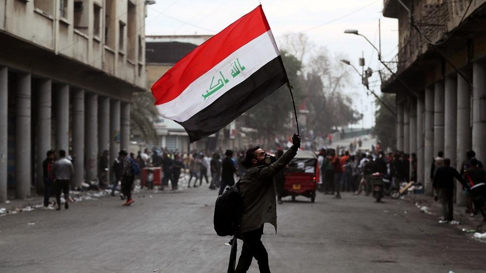 الرئيس العراقي يدعو إلى حماية المتظاهرين السلميين