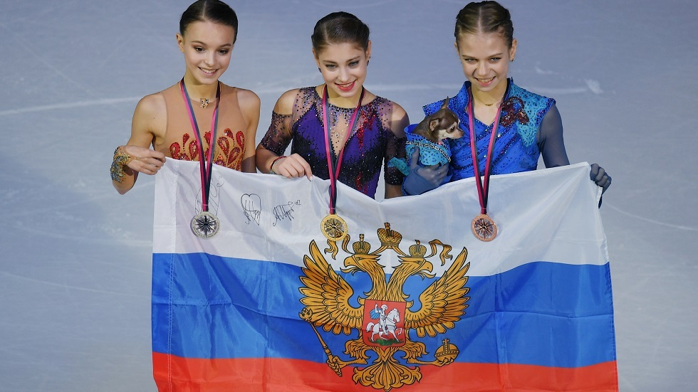 روسيا تحتكر منصة التتويج للتزحلق الفني على الجليد في جائزة