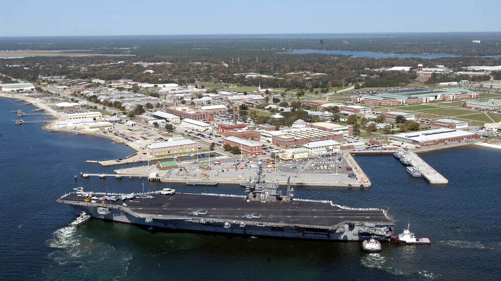 قاعدة بينساكولا الجوية للبحرية الأمريكية، التي وقع فيه هجوم مسلح أسفر عن مقتل 4 أشخاص بينهم المهاجم