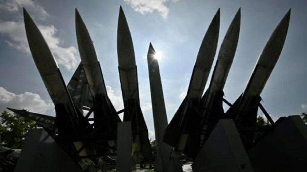 نماذج صواريخ في نصب الحرب الكورية في سيئول
