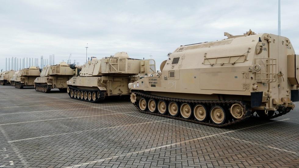 أسلحة ومعدات عسكرية - أرشيف