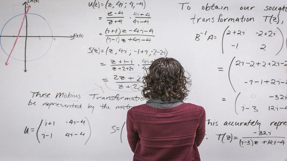 مدرس يحقق اكتشافا هاما قد يغيّر طرق تعليم الرياضيات