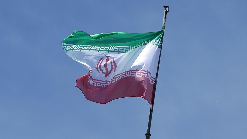 إيران تحذر مواطنيها من السفر إلى الولايات المتحدة وفرنسا