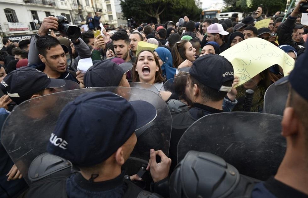الجزائر.. مناوشات وغلق مكاتب اقتراع يوم الانتخابات (فيديو)
