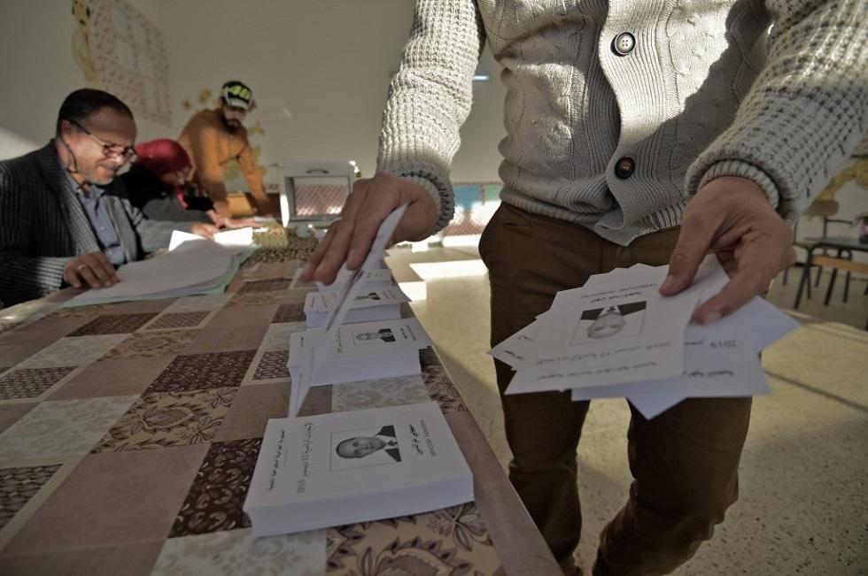 مكتب اقتراع في الجزائر