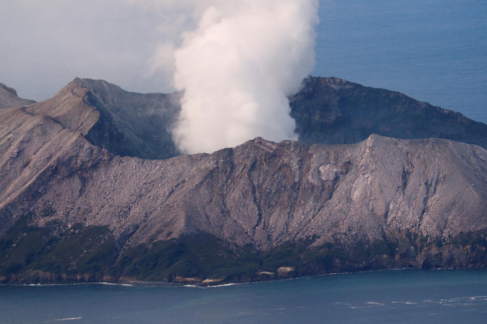 بركان نيوزيلندا .. انتشال 6 جثث واستبعاد بقاء أشخاص على قيد الحياة