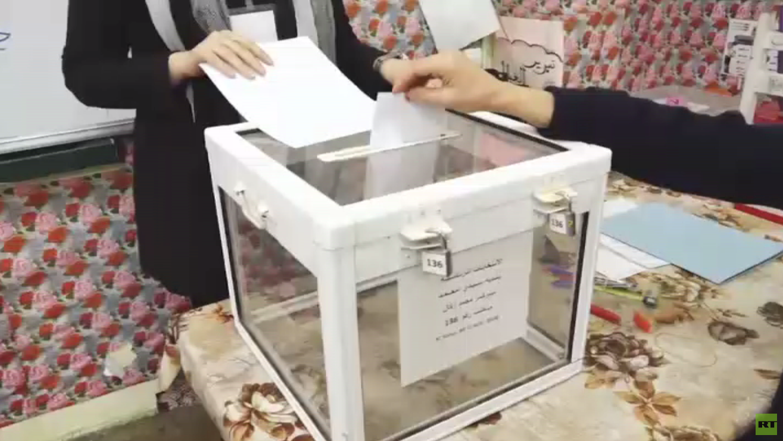 تواصل فرز أصوات الناخبين الجزائريين
