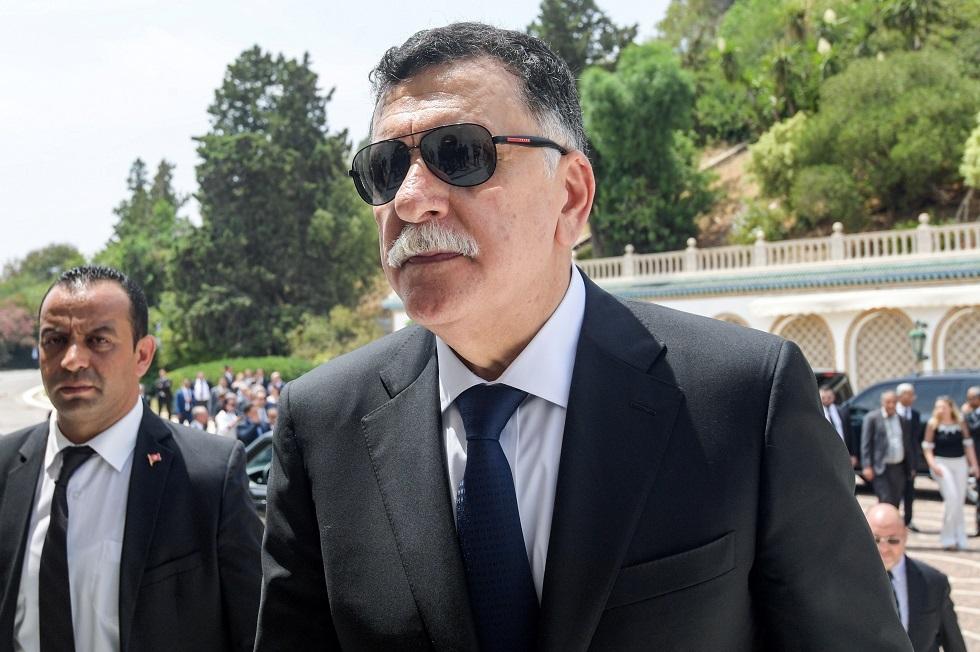 السراج ووزير الدفاع التركي يبحثان مذكرة التفاهم الخاصة بتحديد مناطق الصلاحية البحرية