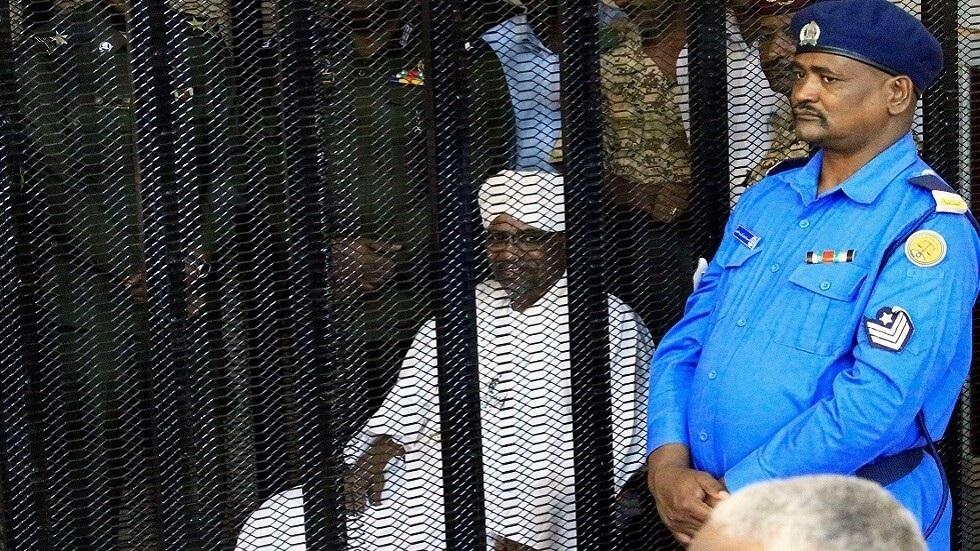 النيابة السودانية: البشير قد يواجه عقوبة الإعدام حال إدانته في إطار قضايا أخرى