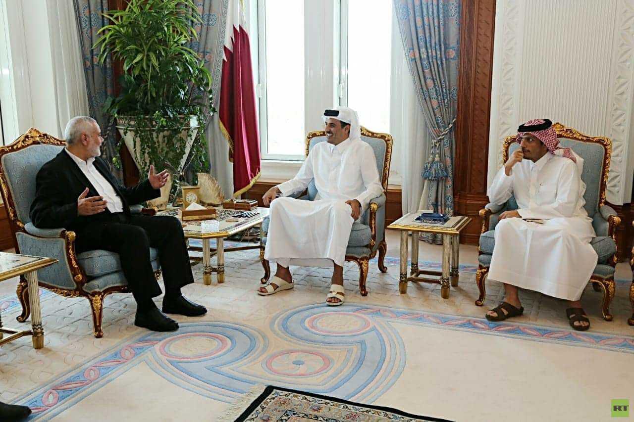 وفد من حماس برئاسة هنية يبحث مع أمير قطر