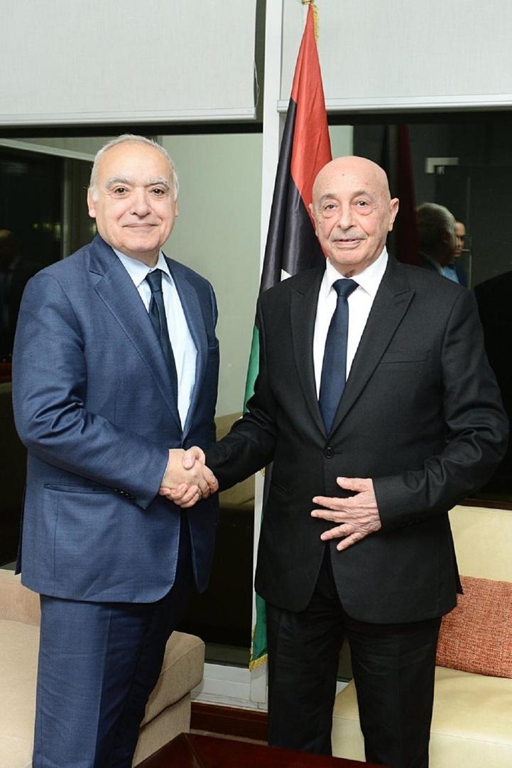 رئيس مجلس النواب الليبي عقيلة صالح والمبعوث الأممي إلى ليبيا غسان سلامة