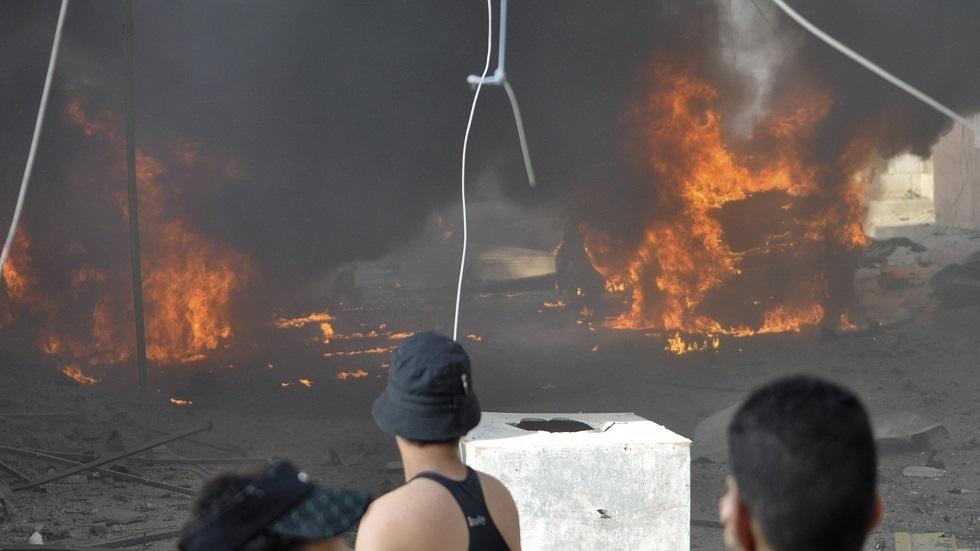 مراسلنا: متظاهرون يحرقون مقرات حزبية في مدينة الناصرية جنوبي العراق