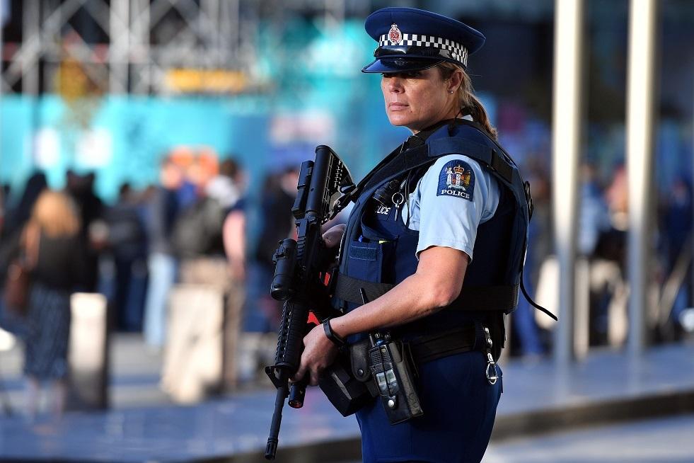 نيوزيلندا تسحب أكثر من 60 ألف قطعة سلاح ناري من التداول