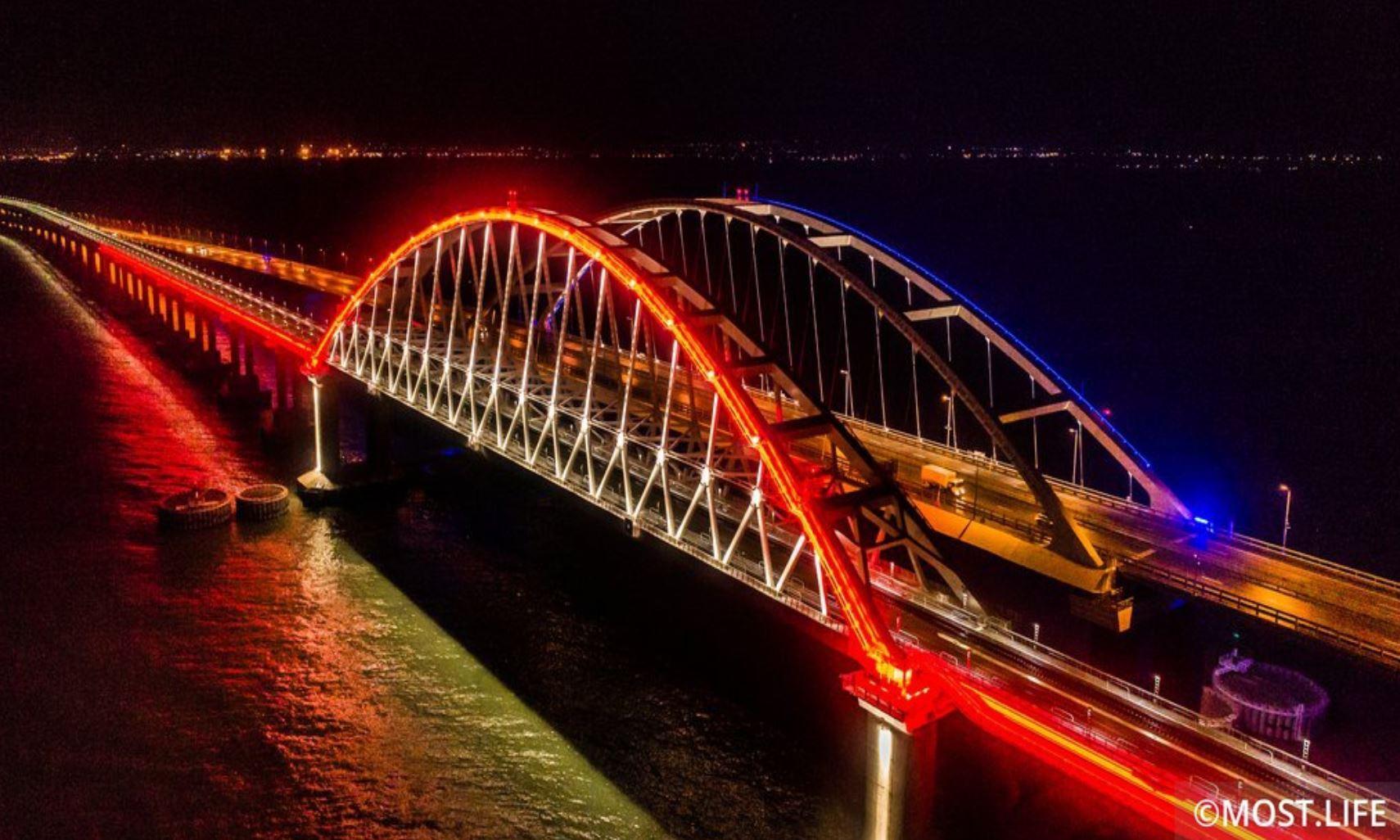 شاهد.. تشييد أطول جسر في أوروبا في 150 ثانية