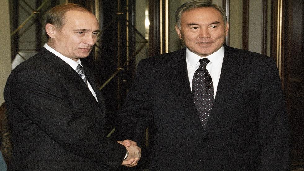 نزاربايف يكشف انطباعاته عن أول لقاء مع بوتين
