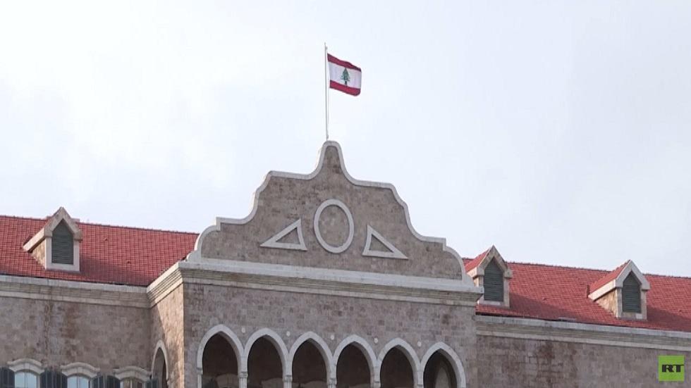 لبنان.. حرب اتهامات بين عون والحريري