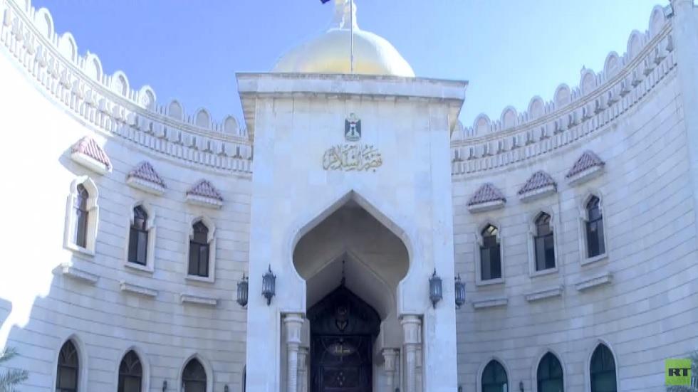 تحالف البناء يسلم صالح كتاب ترشيح العيداني