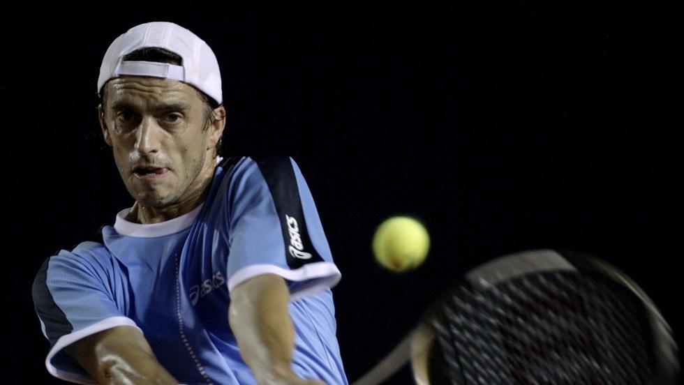 لاعب تنس: عرضوا علي المال مقابل الخسارة أمام نادال بويمبلدون