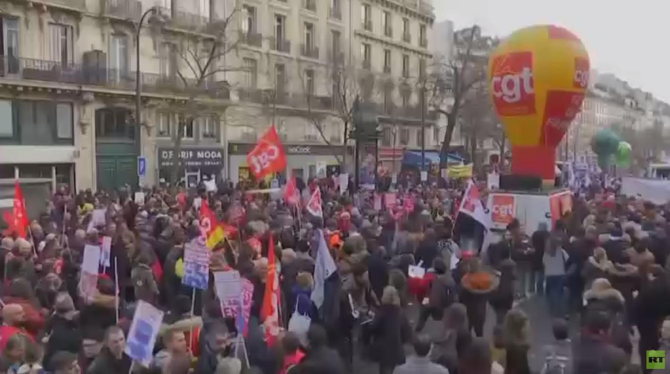 آلاف المتظاهرين في باريس رفضا لقانون التقاعد