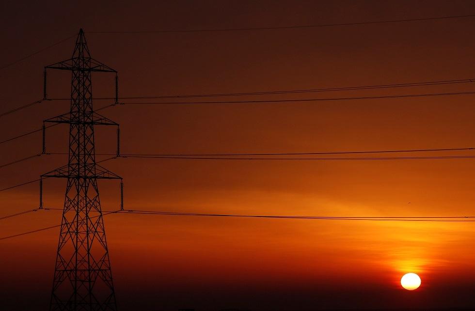 عمود كهربائي للضغط العالي