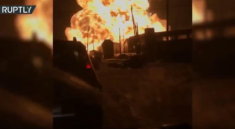 لحظات مرعبة لانفجار ضخم في محطة بنزين روسية