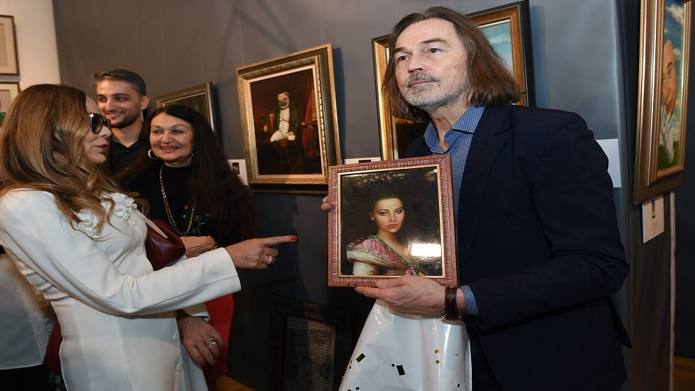 الفنانة الإيطالية أورنيلا موتي تريد الحصول على الجنسية الروسية