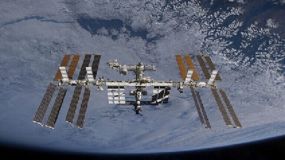 رائد ناسا يلتقط صورة