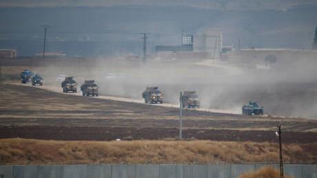 """قادة عسكريون روس وأتراك يراقبون سحب القوات من طريق """"M-4"""" شمال سوريا"""