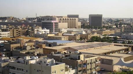 """السلطات السعودية تلغي """"مدخل العزاب"""" و""""مدخل العائلات"""" في المطاعم"""