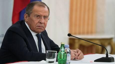 لافروف يعلق على مزاعم تدخل روسيا في مفاوضات أمريكية بريطانية