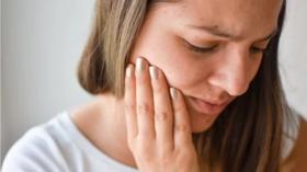 مظهر معين للوجه قد يكون علامة تحذيرية للإصابة بسرطان الرئة