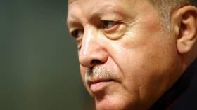 """أردوغان: تركيا لا يمكنها البقاء صامتة تجاه """"المرتزقة"""" المدعومين من روسيا في ليبيا 5dfcb2484236043a3a4c8a31"""