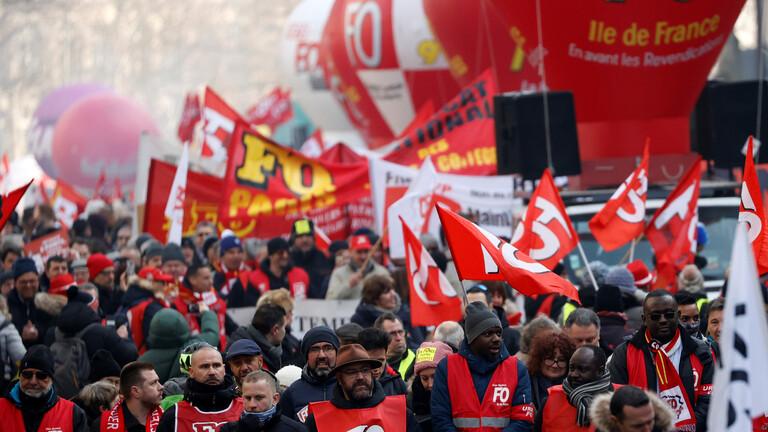 40 ألف شخص في تظاهرة نظمتها النقابات في شوارع باريس