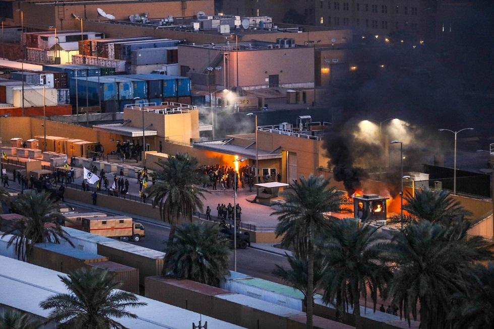 دبلوماسي إيراني يرد على تحميل واشنطن بلاده المسؤولية عن أحداث السفارة الأمريكية ببغداد