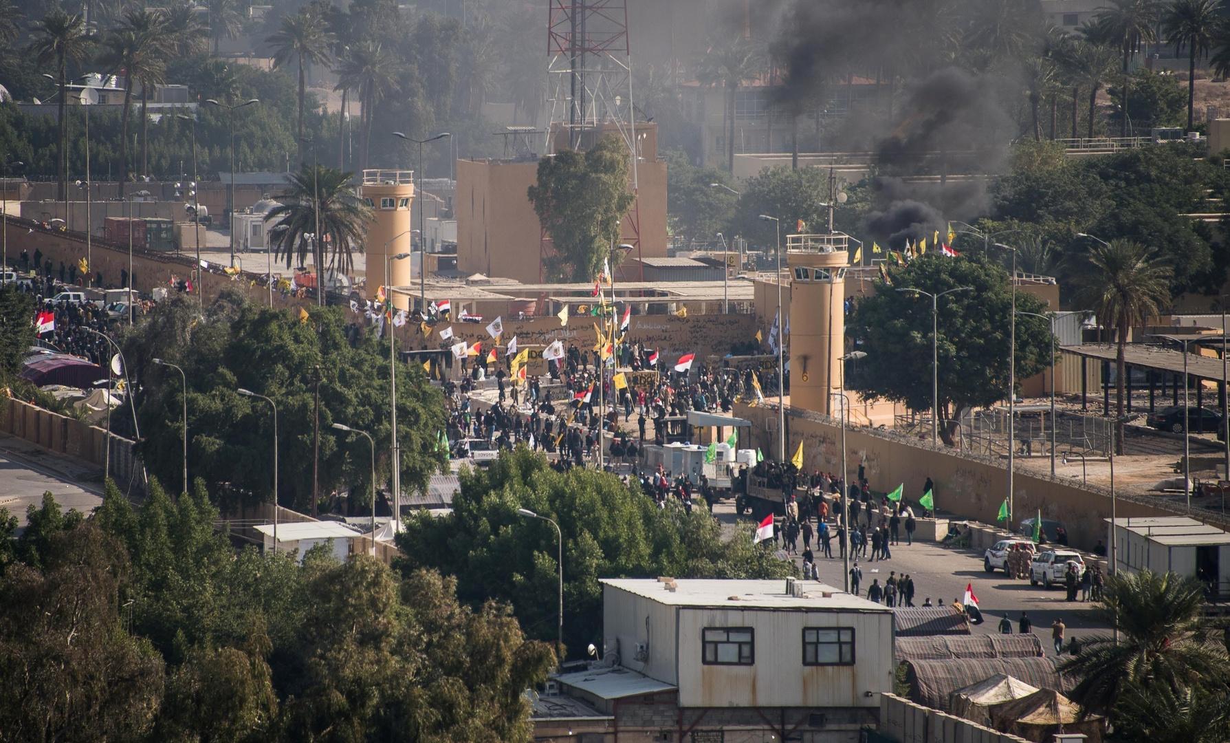 انسحاب المحتجين من محيط السفارة الأمريكية في بغداد بعد دعوة