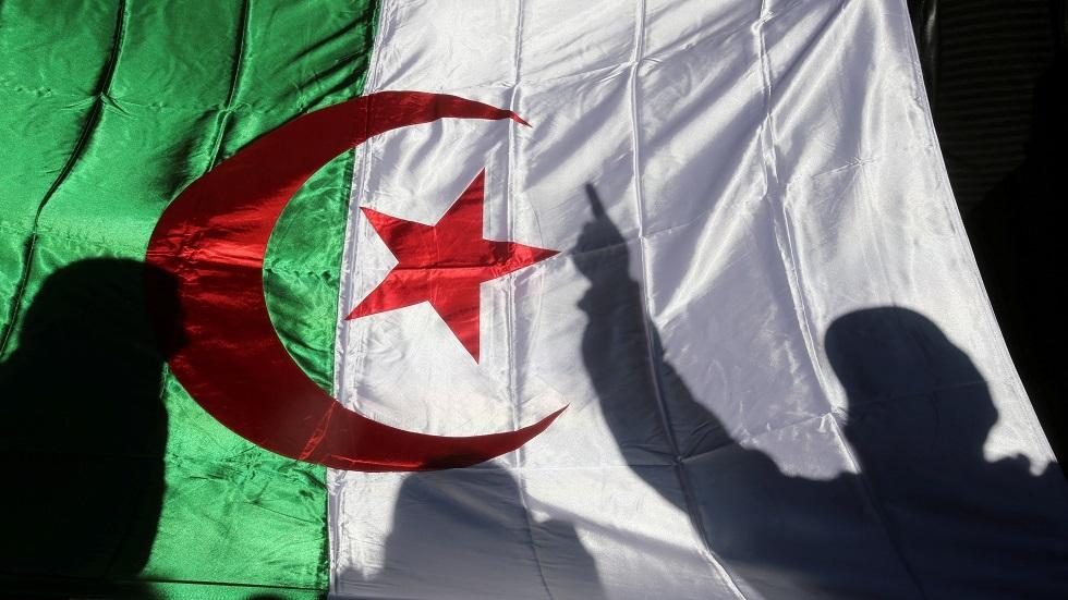 الجزائر تفرج عن نشطاء معارضين اعتقلوا أثناء الاحتجاجات