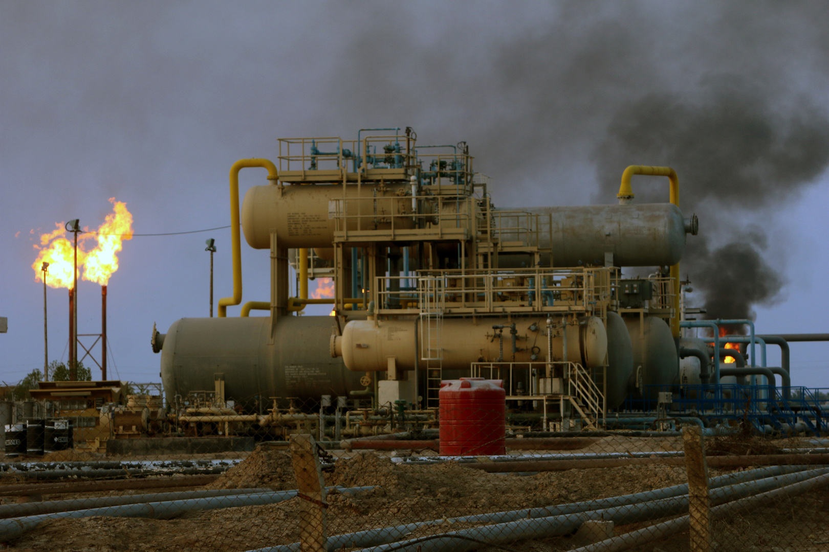 موظفون أمريكيون في الشركات النفطية يغادرون العراق