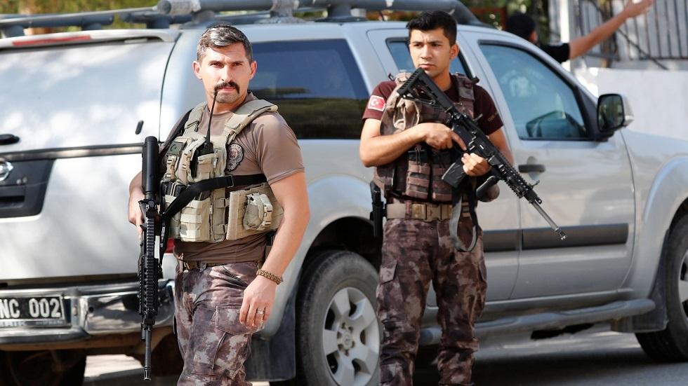 تركيا.. ترحيل 150 مسلحا إلى بلدانهم لصلتهم بـ