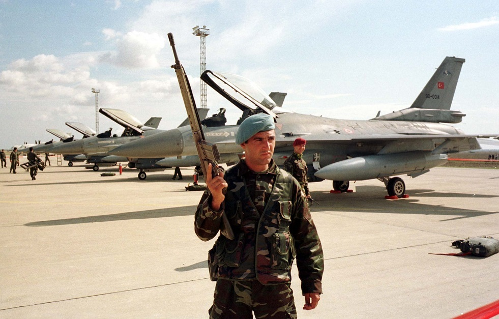 خبير: تركيا غير قادرة على استخدام طائرات F-16 في ليبيا